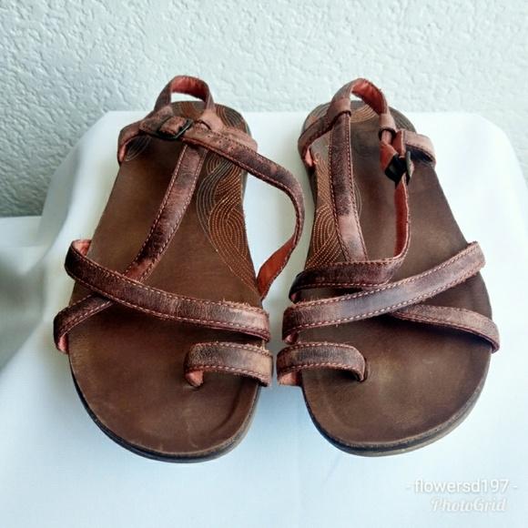 fbc6d434c0bd Chaco Dorra Leather Sandals